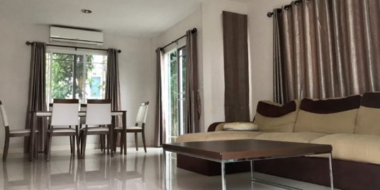 3 Bedroom House in Siwalee Choeng Doi Estate Compound , only 9.5 KM from Nimmanhemin Road.