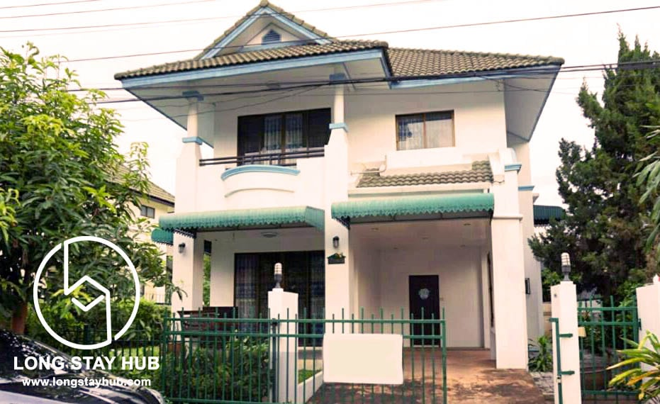 (Available on May ) Fully furnished Three bedrooms house for rent at Lanna Pinery in Hang Dong Area