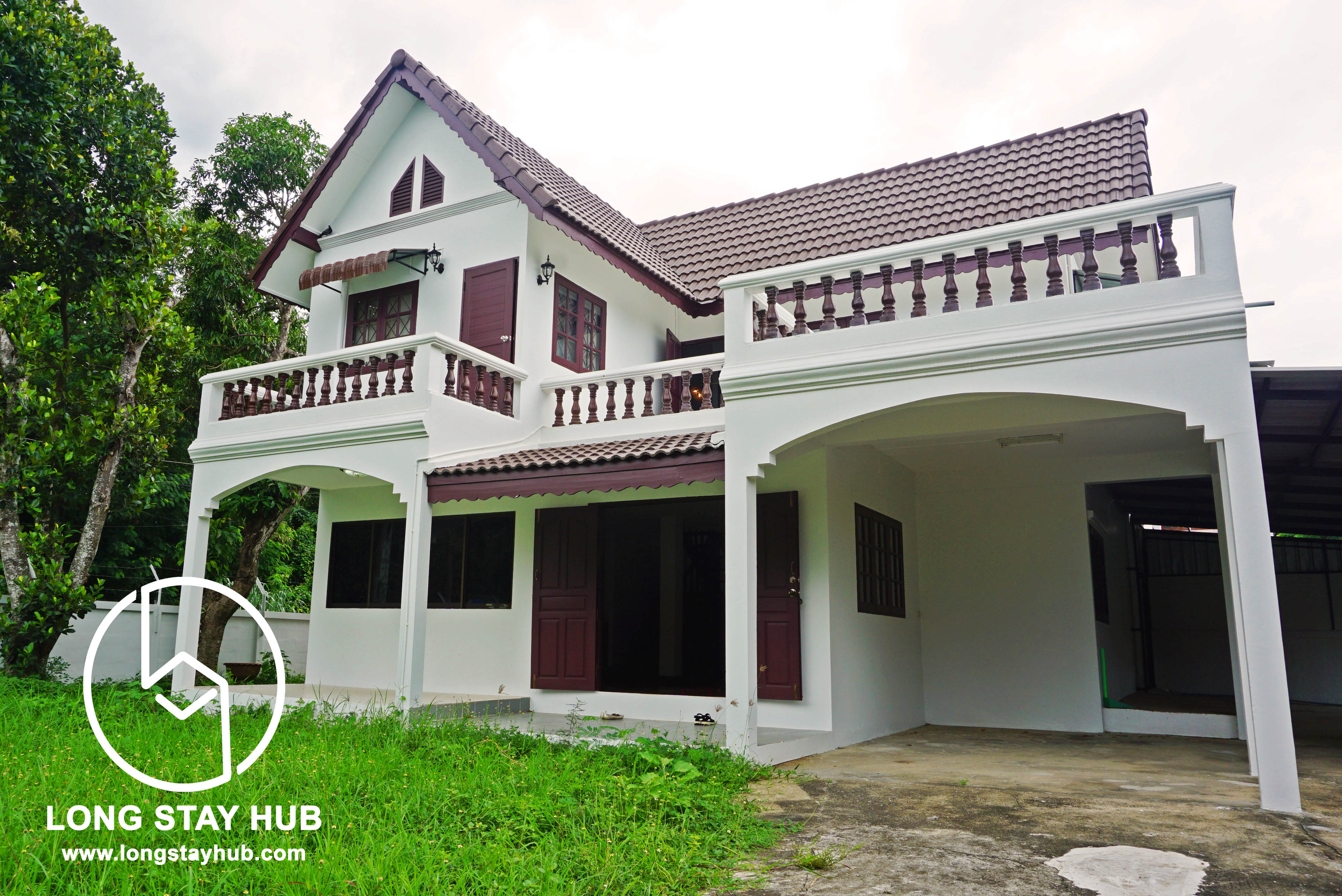 (RENTED) 2-Bedroom house with lush green garden on Chang Phueak