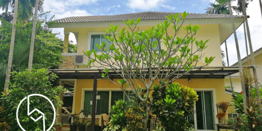 3-bedroom family house with spacious garden near the city for rent
