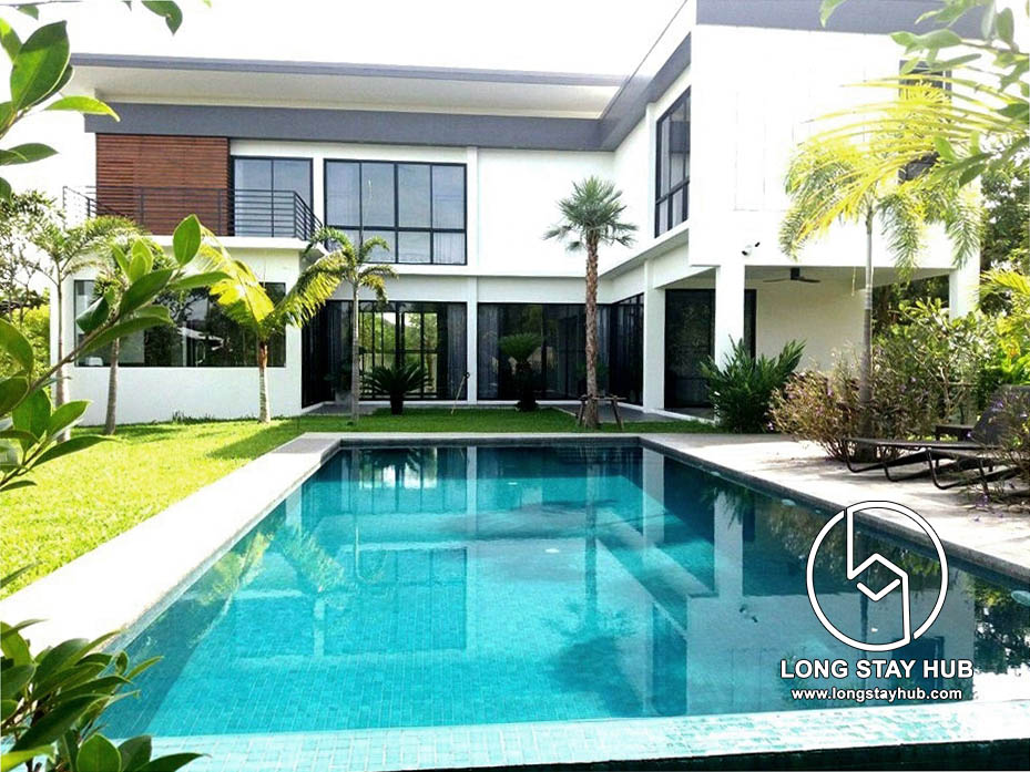 Newly build pool villa with mountain view near Nam phrae, Hang Dong