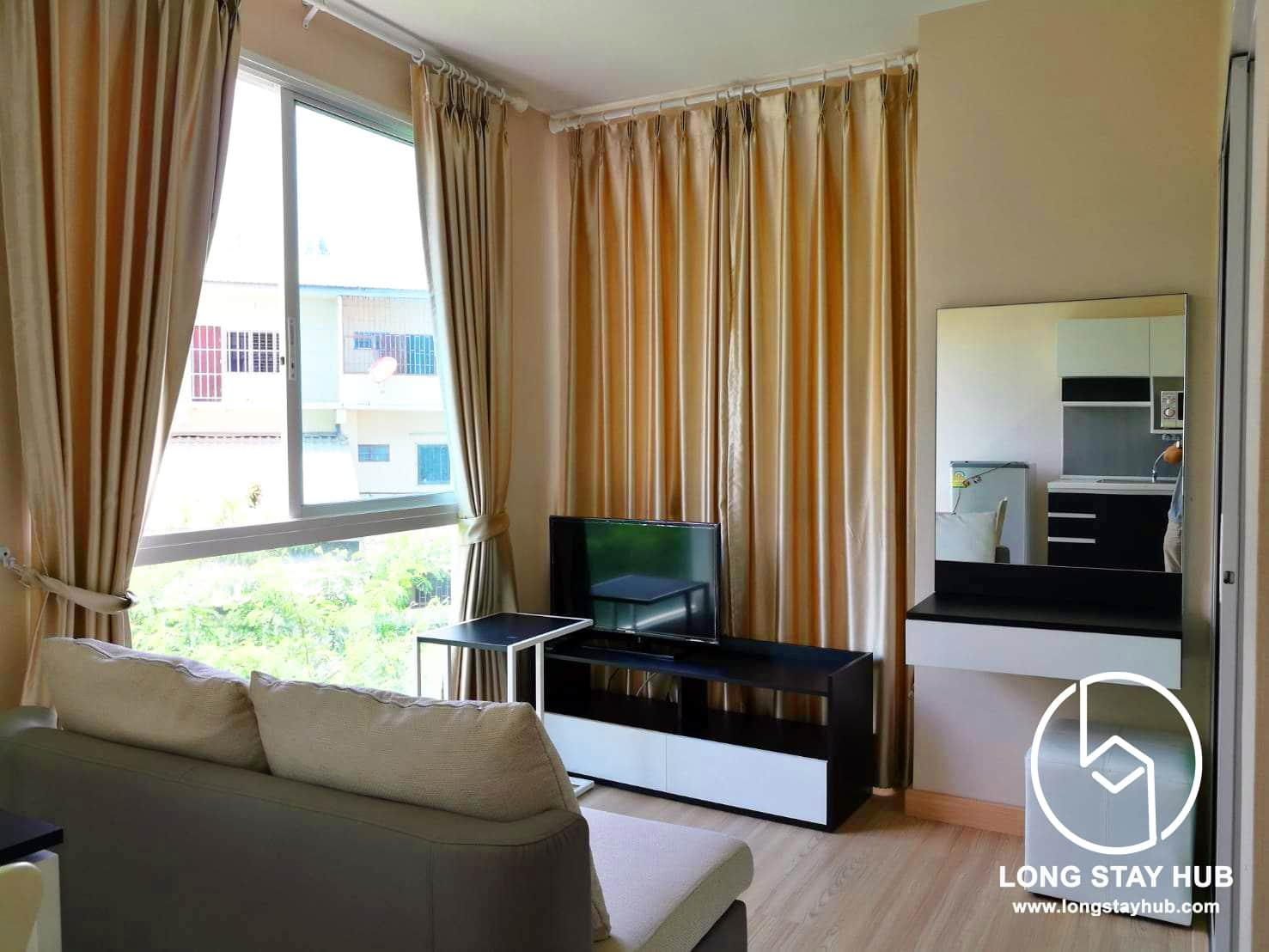Studio bedroom at Oneplus Kham Thiang near Lanna Hospital