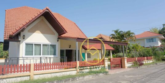 Quiet and comfy fully furnished 1-storey house for sale at Moo Ban Lalisa, Saraphi.