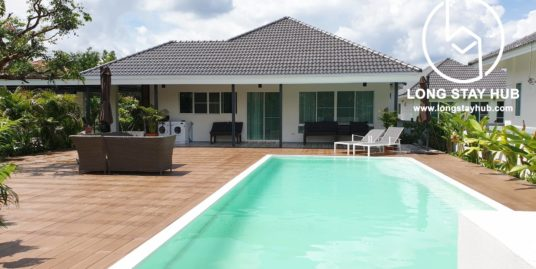 (Rented) Beautiful Single storey house with private swimming pool for rent