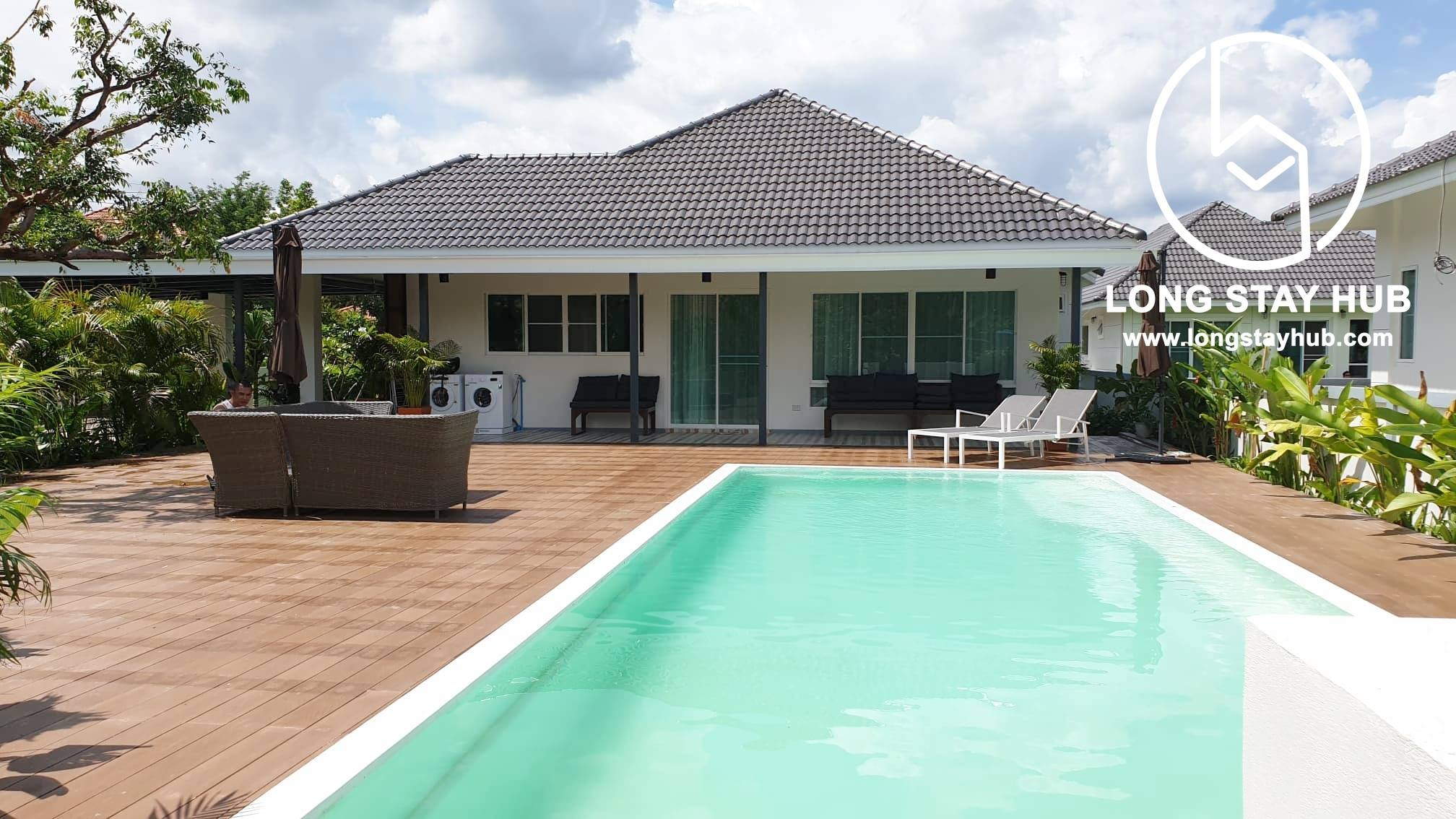 Beautiful Single storey house with private swimming pool for rent