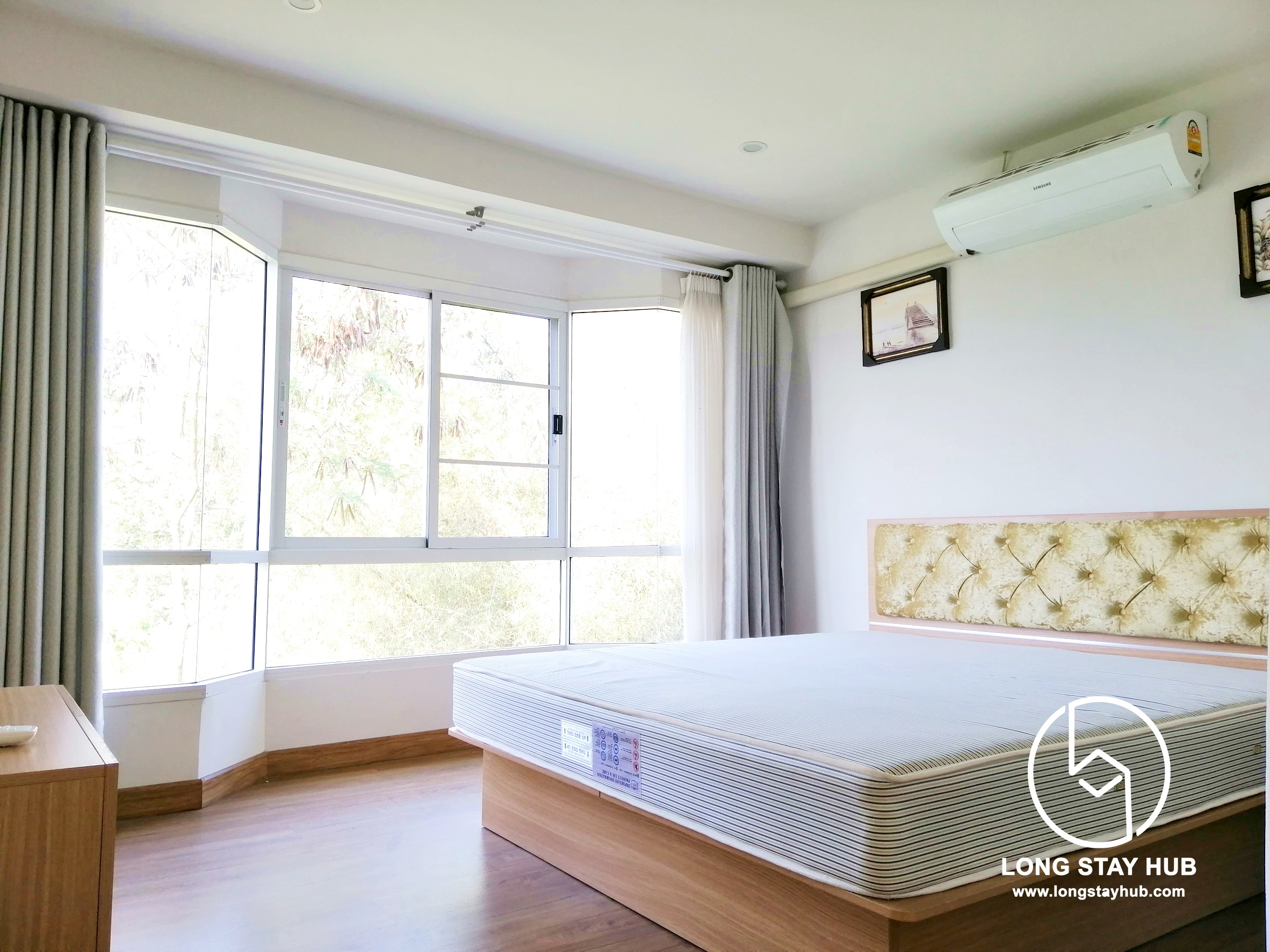 Nicely furnished condo with 2 bed room For rent in Mae Here Area