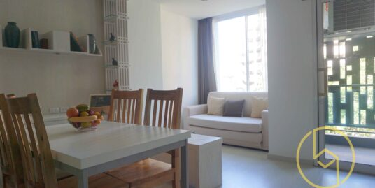 Dazzling & spacious one bedroom condo for sale in Scondo@Nimman.