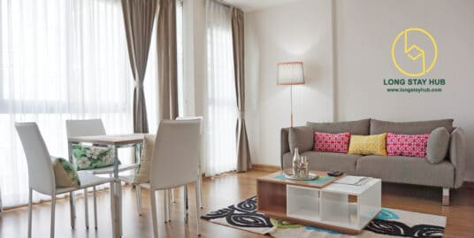 A 45 square-meter studio bedroom in the heart of Nimmanhaemin road.