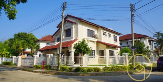 Spacious corner house @Siwalee 2, Sansai for rent.