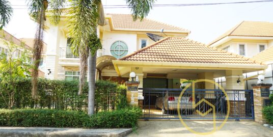 Fully furnished 2-Storeys Three Bedroom house for rent at Pimook 4