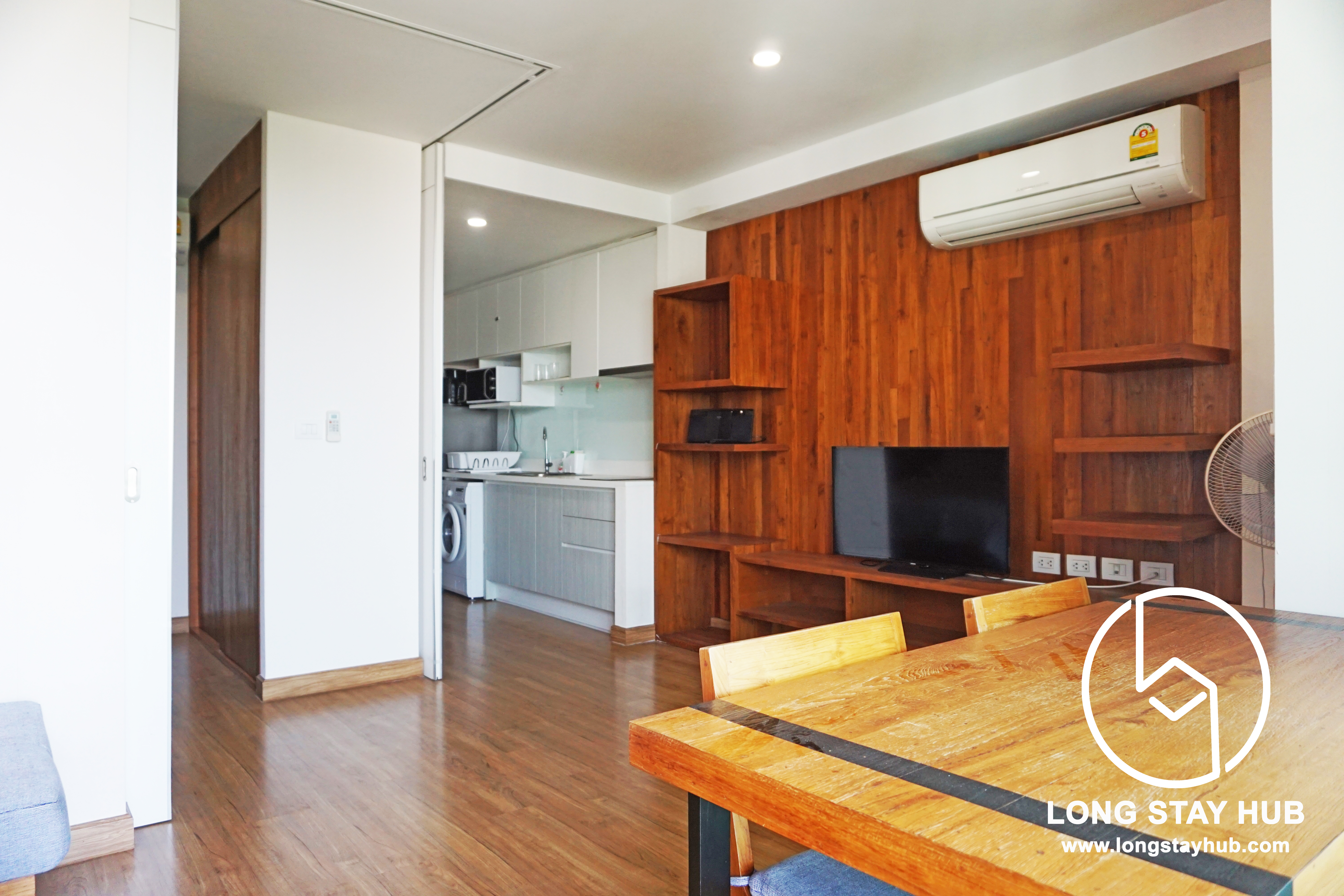 45 Sq.M Condo on The Top Floor (8th floor)  of Nimmana Condo is Available For Rent!