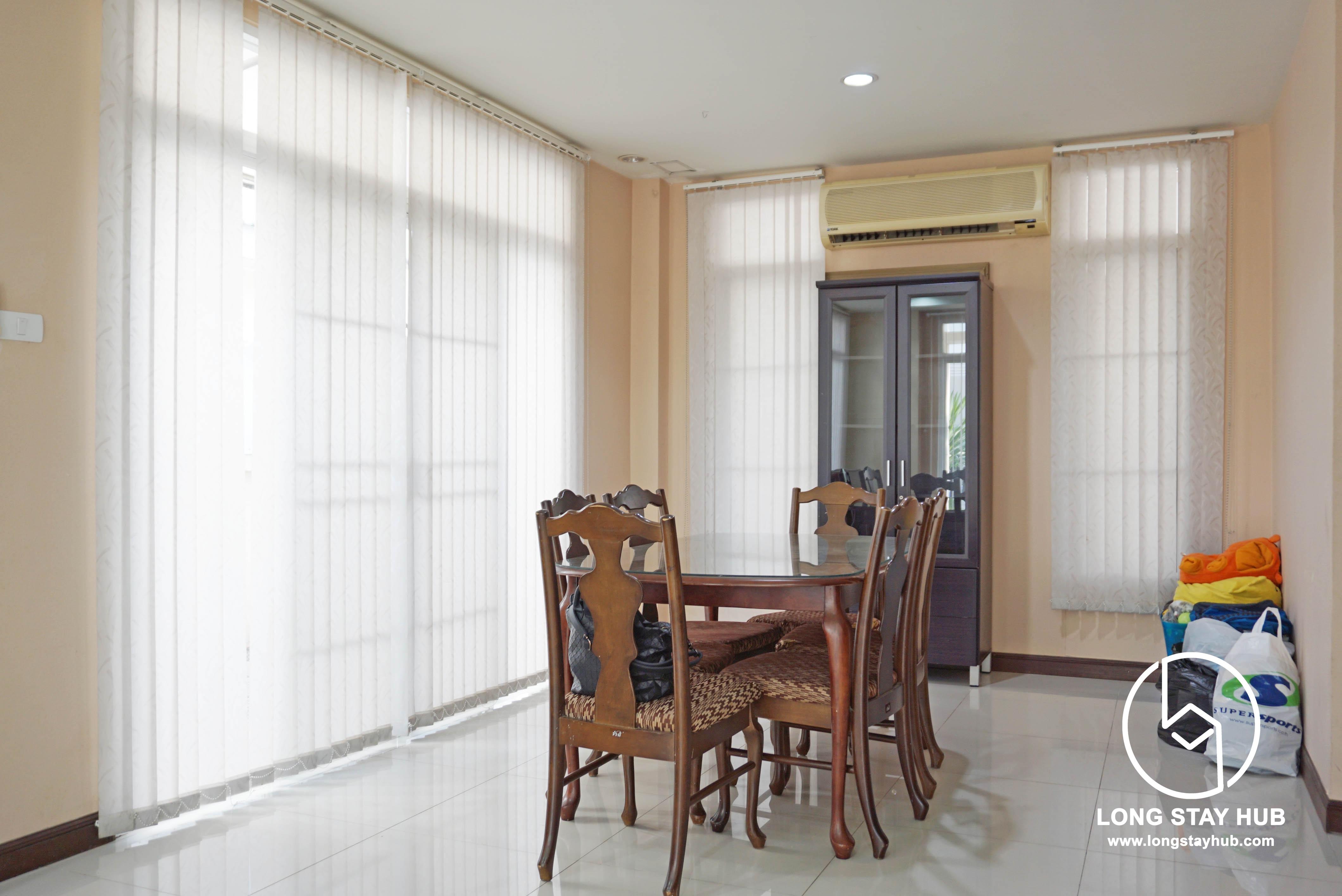 Three-bedroom Partially furnished house near Meechok Plaza at Laguna ...