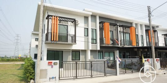 Brand new Two-bedroom townhouse ready to be decorated at Palm Garden 5