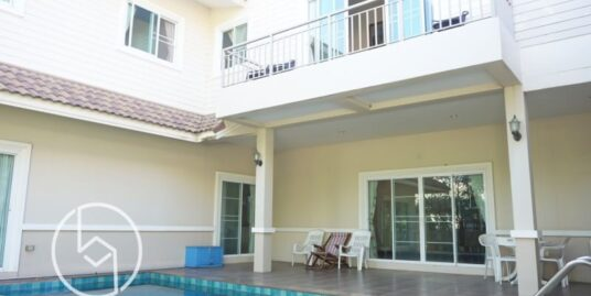 Rented Fully Decorated Spacious 5 Bedroom 2 storey House with Private Swimming Pool near Lanna Hospital