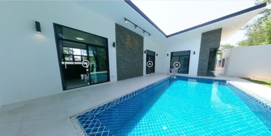 U Shape Pool House for rent